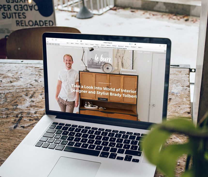 Do i need a website - Diversify - Business Digital Marketing Consulting (Picture showing a mackbook pro showing a business' professional website) κατασκευή ιστοσελίδας